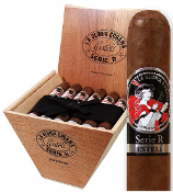 La Gloria Cubana Serie R Esteli box of 18